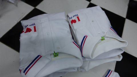 Cần tham khảo mẫu áo và chất lượng vải trước khi đặt in áo