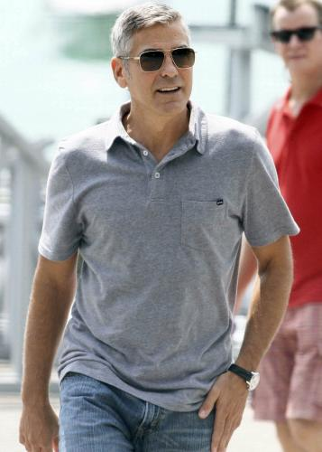 Geogre Clooney và bí quyết lựa áo thun