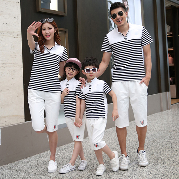 Đẹp hết chỗ chê với mẫu áo tết gia đình 4 người